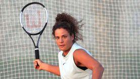 ميار شريف بطلة التنس الذهبية تدخل التاريخ
