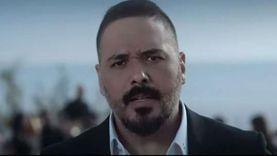 """فيديو.. رامي عياش يطرح """"أنا ثائر"""" بمشاركة كارمن لبس"""