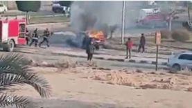 السيطرة على حريق في سيارة بالعاشر من رمضان (فيديو)