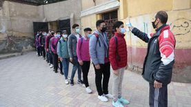 فرق طبية وعربات طوارئ أمام لجان الامتحانات لمواجهة كورونا