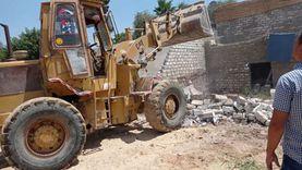 إزالة 8 تعديات على أراضي طرح النهر ببني سويف