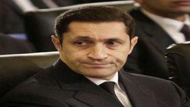 خناقة بين علاء مبارك وأحد متابعيه بسبب 25 يناير: عاوزهم شهداء بالعافية
