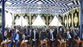 صور.. وزير التموين يتفقد مشروع صوامع القمح في الشرقية