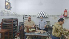 «فيها حاجة حلوة».. مطبخ الخير يوزع 1200 وجبة إفطار وسحور بالمحلة