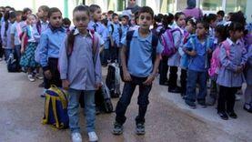 """""""الجمعيات الأهلية"""" تبدأ توزيع آلاف الشنط وملابس المدارس على التلاميذ"""