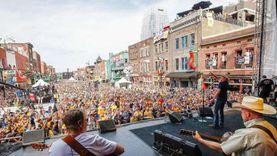 آخرها مهرجان «موسيقى الريف».. كورونا يواصل إلغاء الفعاليات الفنية