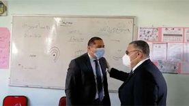 محافظ البحر الأحمر يتفقد بعض اللجان في انتخابات مجلس النواب