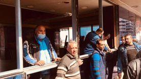 محافظ الإسكندرية يباشر عملية إزالة «كافيه» يحجب رؤية البحر
