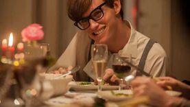 """سيرة العالم ستيفين هوكينج من السينما لـ""""نتفلكس"""""""