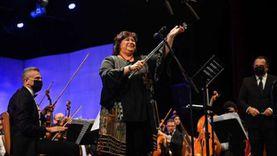 وزيرة الثقافة تعزف على الفلوت في مهرجان الموسيقى العربية