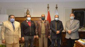 محافظ أسيوط يبحث مع النواب مبادرة الريف المصري وتحسين الطرق