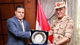 رئيس ميناء دمياط يبحث أوجه التعاون مع شركة النيل الوطنية للنقل النهري