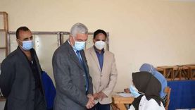 رئيس جامعة المنوفية يتابع بدء امتحانات التيرم الأول