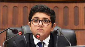 وكيل أول برلمان الطلائع يتعرض للإغماء في أول جلسة انعقاد.. ووزير الشباب يزوره