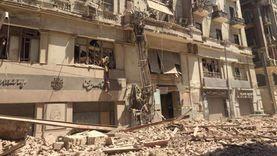 شاهد عيان يصور لحظة انهيار عقار قصر النيل: شعرنا بهزتين قبل السقوط