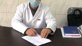 «الحاجة سعيدة» تتبرع لـمستشفى حميات دسوق بالنواقص الطبية: محدش يعرفها