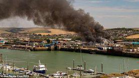"""فيديو.. انفجار ضخم في ميناء بريطاني وسحب الدخان تغطي سماء """"ساسكس"""""""