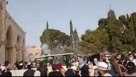 لحظه اقتحام قوات الإحتلال الإسرائيلي المسجد الأقصى