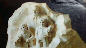 نحات تمثال مبارك وحفيديه: كان هدية عيد ميلاده وانقطعت صلتي بأسرته