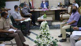 محافظ جنوب سيناء يناقش المشروعات المتعثرة وميكنة الخدمات