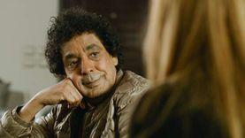صور.. محمد منير ينتهى من «كليب» أغنية جديدة جالسا على كرسي
