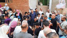 مرشحا حزب مستقبل وطن بدائرة السلام يشهدان على عقد زواج خلال جولتهما