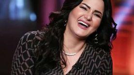 """بمصحف وسجادة صلاة.. سما المصري تصل جلسة محاكمتها في """"الفيديوهات المخلة"""""""