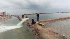 بلطيم تستعين بـ«ماكينات الري» لرفع مياه الأمطار من الشوارع