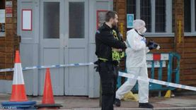 شرطة لندن: المشتبه في قتله شرطيا أطلق النار على نفسه وحالته حرجه