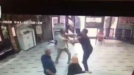 مشاجرة بين مدير مدرسة وأولياء الأمور بسبب المصاريف.. والوزير يعلق (فيديو)