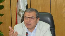 وزير القوي العاملة: الطبيبة المصرىة بالكويت المعتدى عليها حقوقها محفوظة