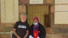 سائح استرالي أول زائر لمعبد «إيزيس» بأسوان بعد افتتاحه بحضور الوزير