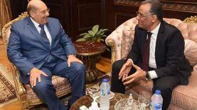 محمود مسلم يتسلم كارنيه العضوية ويلتقي رئيس مجلس الشيوخ