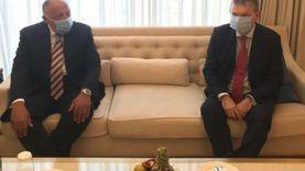 شكري يلتقي المفوض العام لوكالة الأمم المتحدة لغوث