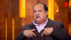 خالد الصاوي عن الحسد: «لقيت الفانلة بتاعتي فيها خرمين في شهر العسل»