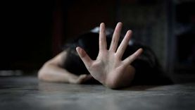 حبس 4 متهمين باغتصاب موظفة أثناء ممارسة الرذيلة مع عشيقها بالخانكة