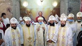 """افتتاح كنيسة """"الأنبا موسى والشهيدة"""" في """"عيد الصليب"""" بشبرا"""