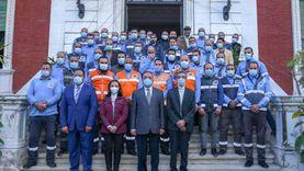 محافظ الإسكندرية يكرم العاملين بالإسعاف ويشيد بدورهم البطولي