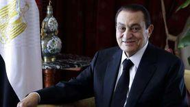 عاجل.. جمال مبارك يحيي الذكرى الأولى لوفاة والده من أمام قبره