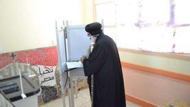 أسقف دشنا والكهنة يدلون بأصواتهم في انتخابات الشيوخ بقنا
