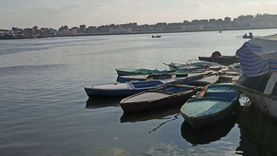 «كامل» صياد الصيف والشتاء: فتحت عيني على البحر ومعرفش مهنة تانية