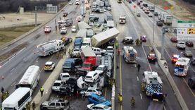 القبض على سائق ميكروباص طائش اصطدم بـ4 سيارات ودخل محل فاكهة