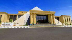 جامعة النهضة تكرم أول الثانوية العامة ببنى سويف وتقدم له منحة