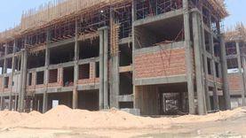 «الجيزاوي» يتلقى تقريرا عن إنجاز مشروع جامعة بنها الأهلية بالعبور