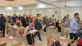 رئيس جامعة أسيوط يتابع امتحانات الفرقة النهائية للخدمة الاجتماعية