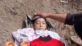 دفن جثة طفل عذبه والده حتى الموت في الإسماعيلية