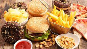 دراسة: الأطعمة السريعة تضر بذاكرة الدماغ في عمر الشيخوخة
