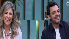 «والده رفض وهو صمم».. قصة حب عمرو محمود ياسين وزوجته من المدرسة للزواج