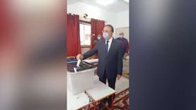زغاريد عقب إدلاء محافظ الإسكندرية بصوته بجولة الإعادة لانتخابات النواب