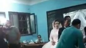 صور.. عروس بفستان زفافها تدلي بصوتها في انتخابات النواب بقنا